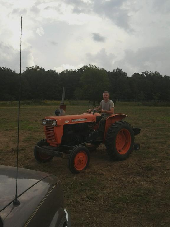 Randal_on_tractor